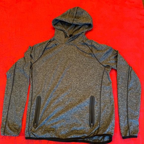 Clothing, Shoes & Accessories Hoodies & Sweatshirts Active American Eagle Sweatshirt.